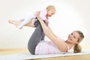 mom-with-baby-exercise